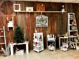 The 2 Missouri Gals have recently restocked! Come see what's new! #maryannswholesale #seasonaldecor #seasonalhomedecor #homedecor #2missourigalstreasuresandjunk Not open to the public
